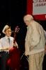 Эрика Джимадилова награждает Дмитрий Сухарев